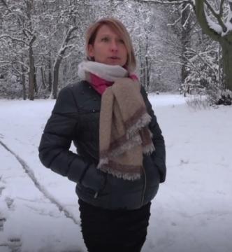 Laura - Laura, 41ans, deux lascars dans la neige (2018) FullHD 1080p