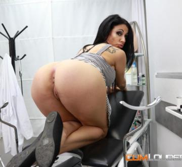 Debora Mendez, Nick Moreno - A debut in the Fucking Clinic (2018) HD 720p