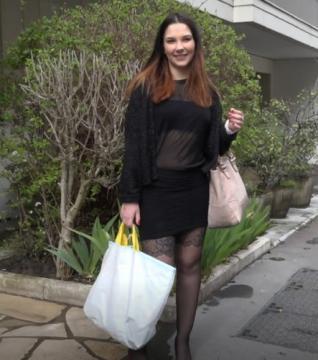 Adria - Adria aime le gratin dauphinois au sperme (2018) HD 720p