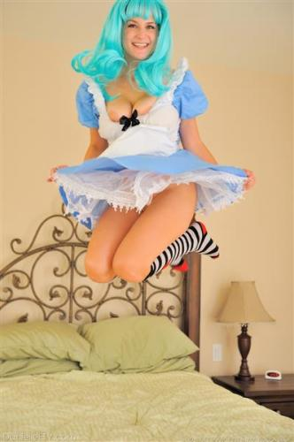 Naughty Amateur Dolls Up In Cosplay Outfit Prior To Riding Bedpost Forumophelia 1